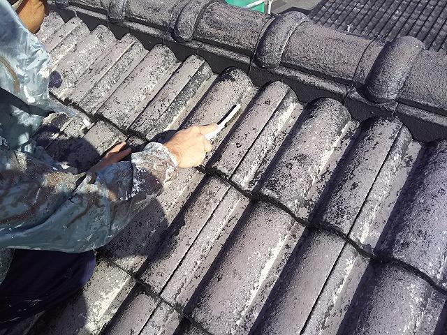 屋根 モニエル瓦 洗浄後 ブラシ除去